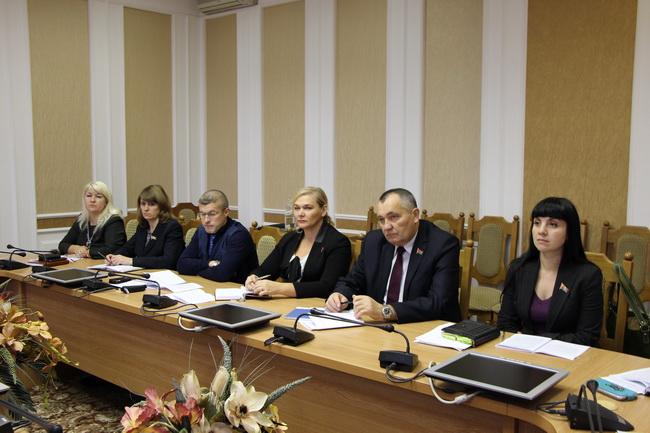 Заседание комиссии по международным делам